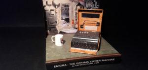 Enigma__foto1 paper model